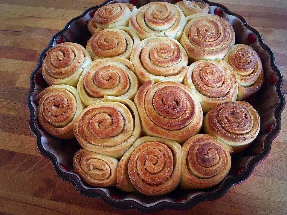 cinnamon rolls tortiera