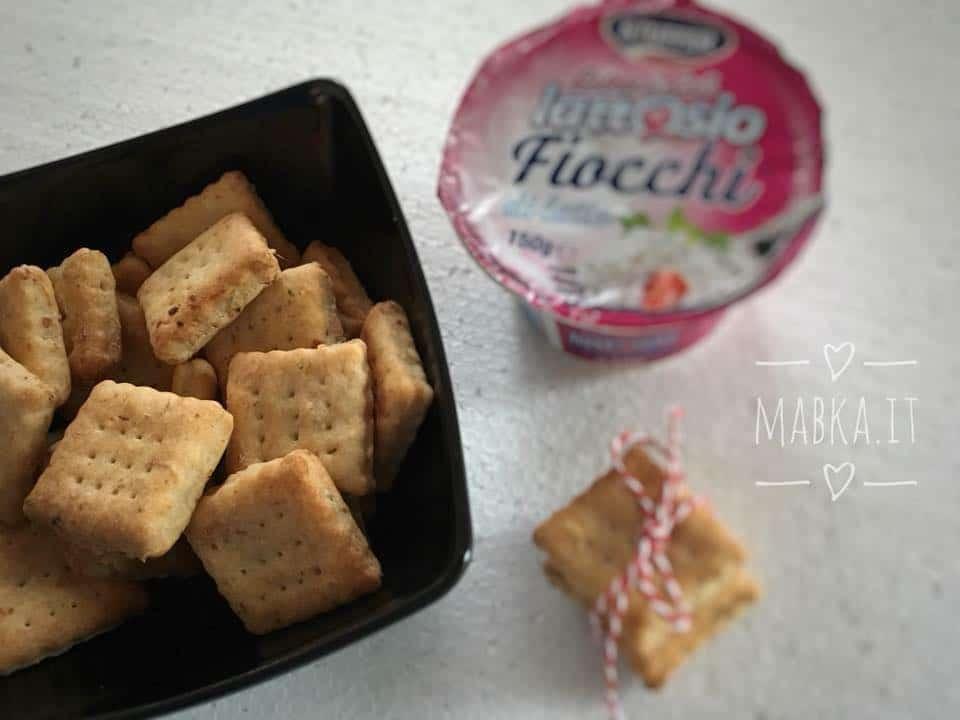 biscotti salati con fiocchi di latte