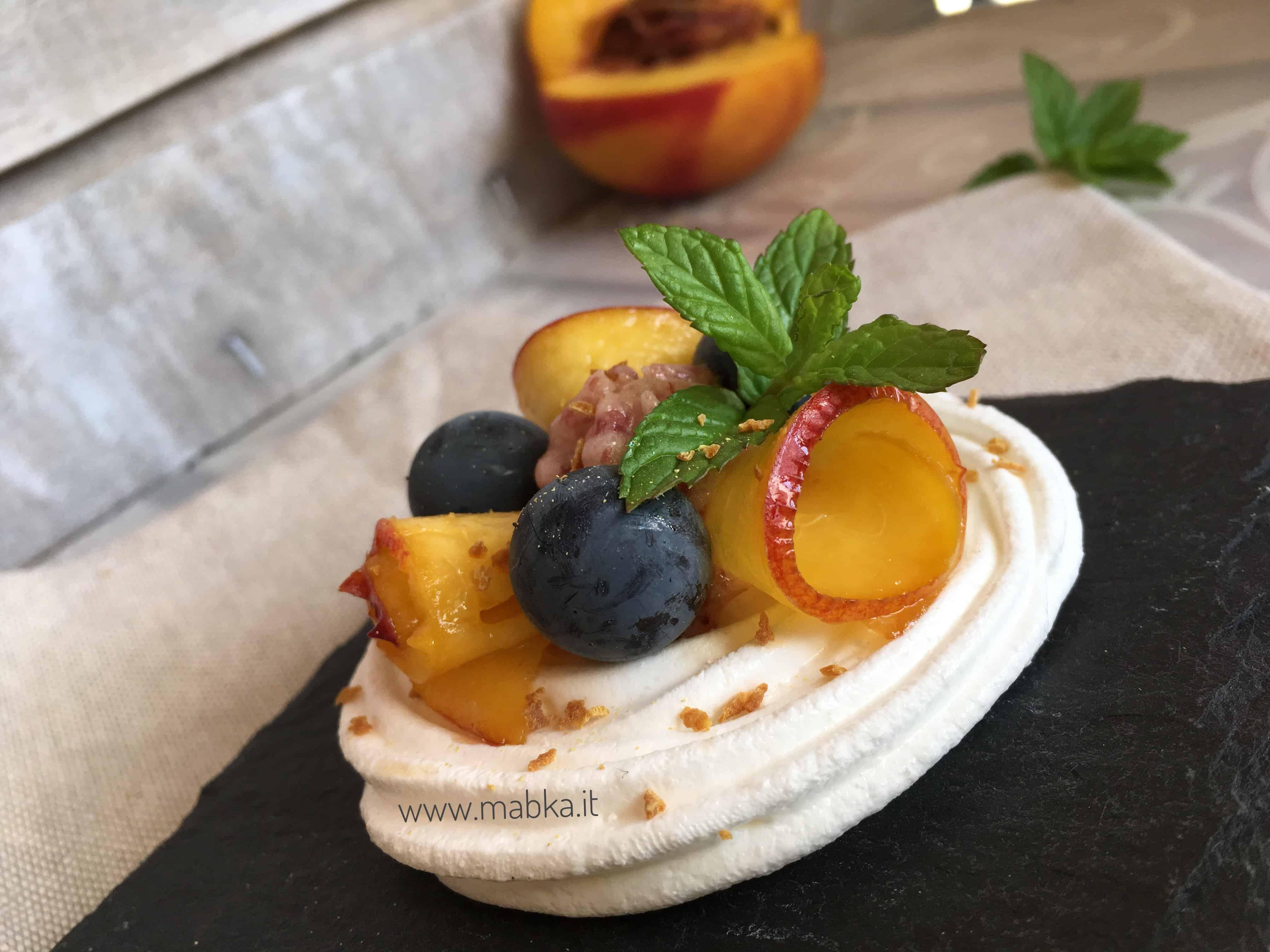 Meringa con frutta senza lattosio