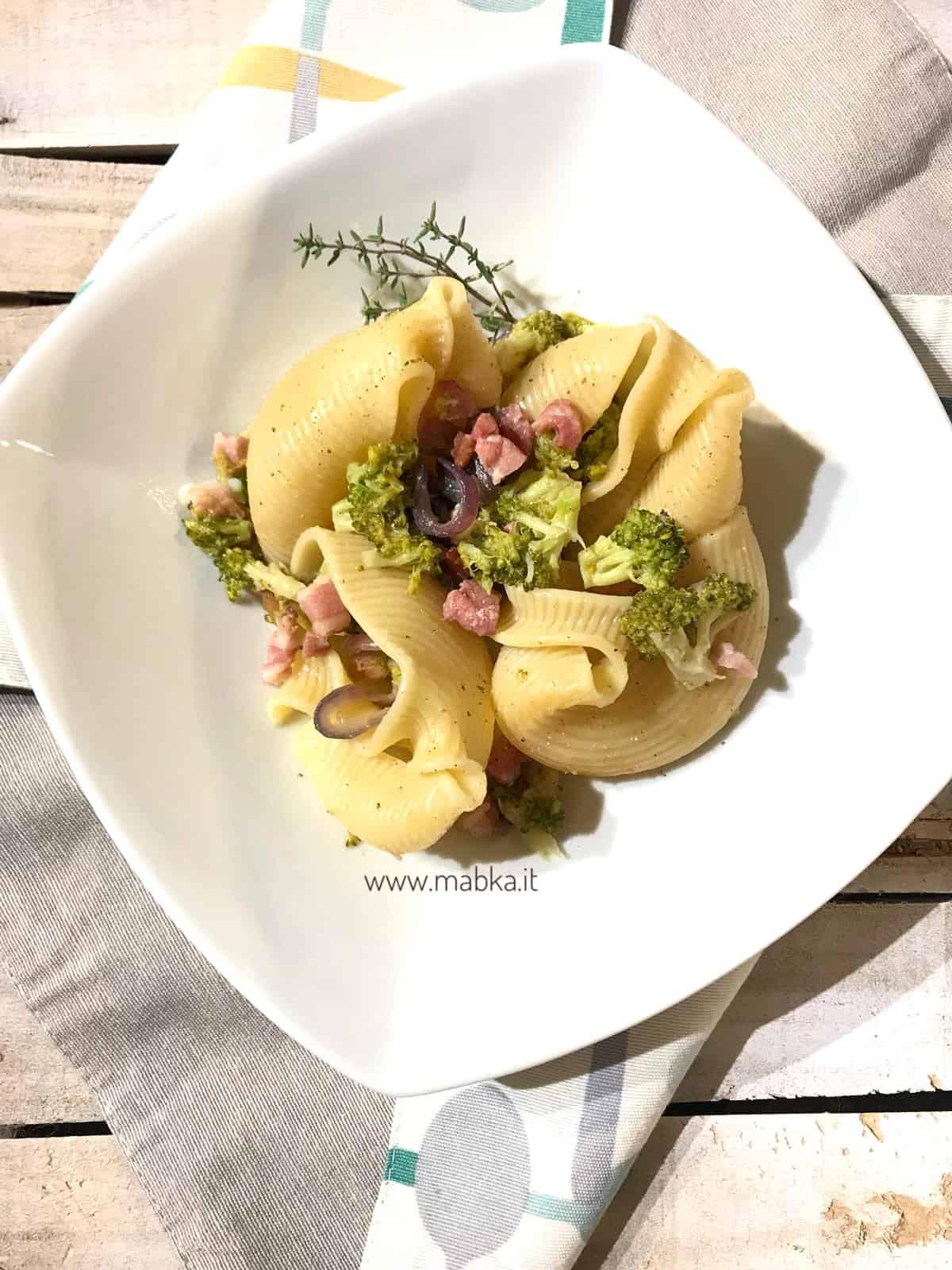 Pasta broccoli e pancetta senza lattosio