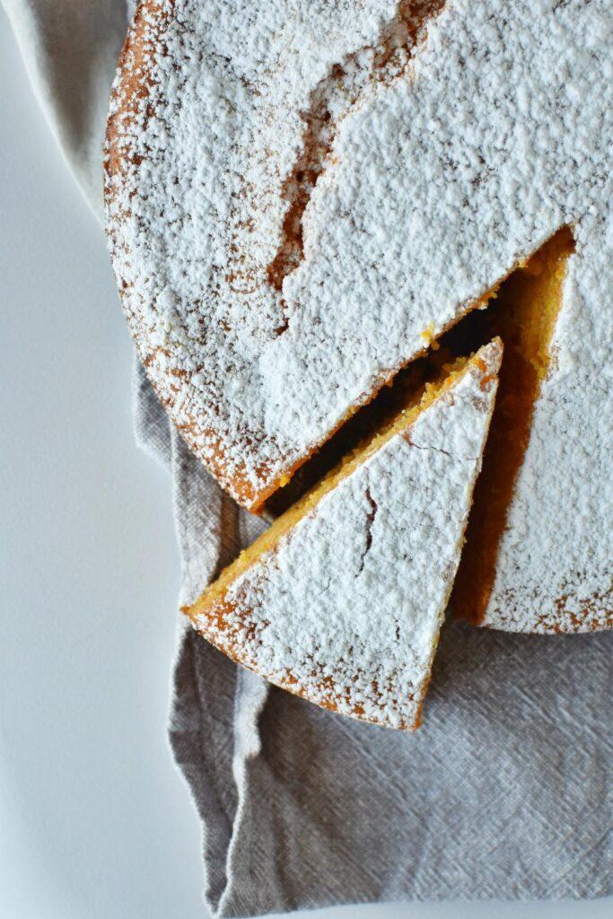 torta umida mandorle e carote